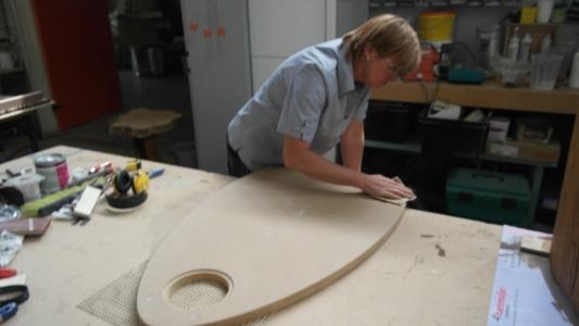 vrouwelijke meubelmaker  rensma.nl mimeubels