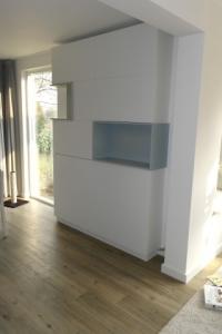 wandkast met deuren gespoten mdf cubus kast vakkenkast  rensma.nl mimeubels