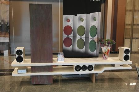Audio meubel gespoten Rensma